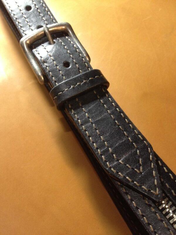 Ремень кожаный 40 мм Полностью изготовлен вручную Молния металлическая, как декор   3000р.   1   Ремень кожаный 40 мм Полностью изготовлен вручную Молния металлическая, как декор