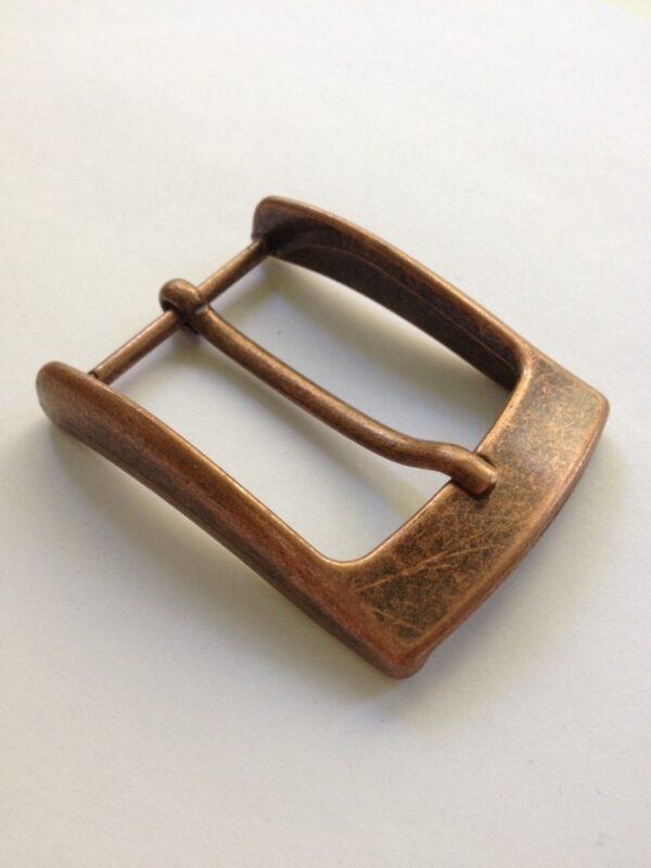 | 300р. | 2 | <p>Изящная пряжка для ремня, ширина 35 мм. Для мужского и женского ремня. Превосходное Итальянское качество.</p>