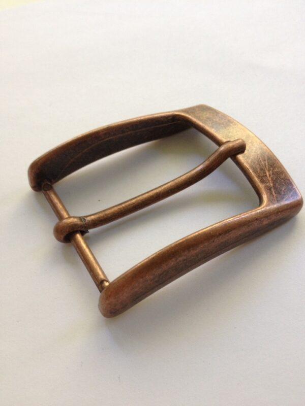 | 300р. | 3 | <p>Изящная пряжка для ремня, ширина 35 мм. Для мужского и женского ремня. Превосходное Итальянское качество.</p>
