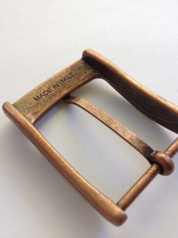 | 300р. | 4 | <p>Изящная пряжка для ремня, ширина 35 мм. Для мужского и женского ремня. Превосходное Итальянское качество.</p>