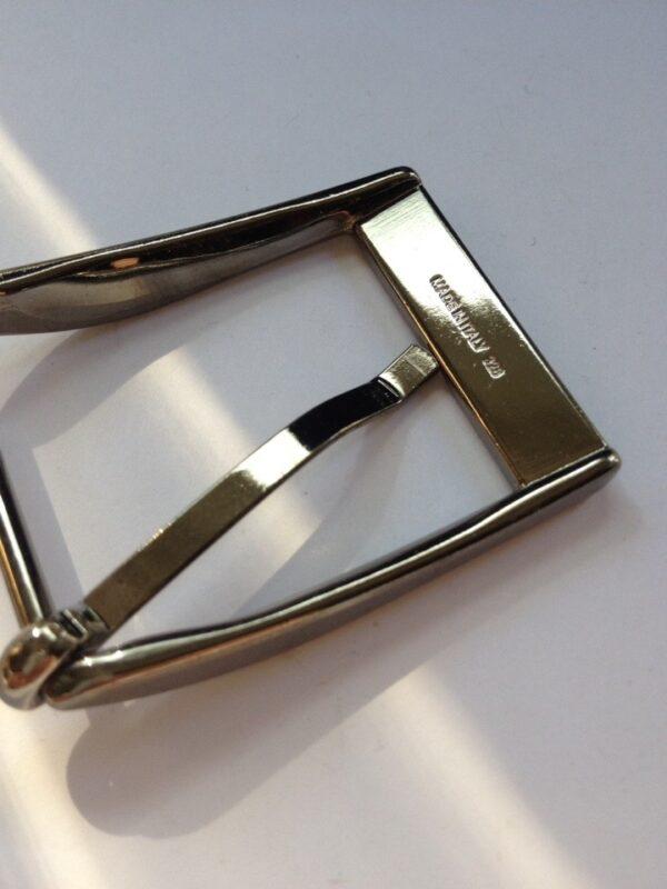 | 250р. | 3 | <p>Изящная пряжка для ремня, ширина 35 мм. Для мужского и женского ремня. Превосходное Итальянское качество.</p>